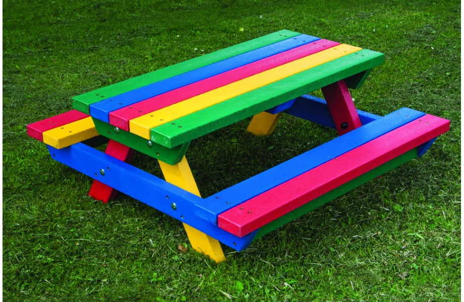 Teeny-Tot-Picnic-Bench-920x600